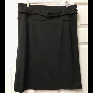 Beautiful Harve' Benard belted skirt 😀